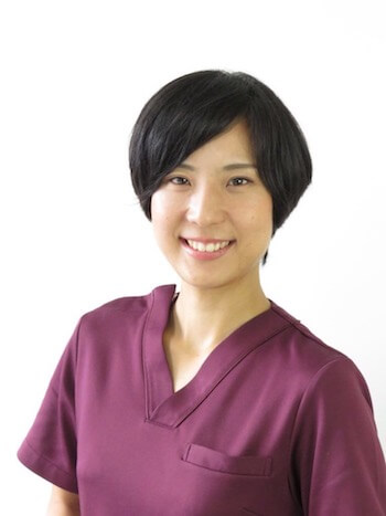 スタッフブログ:村松、転んで顔にガーゼ貼っています!<B-fit静岡下半身ダイエット専門整体サロン>
